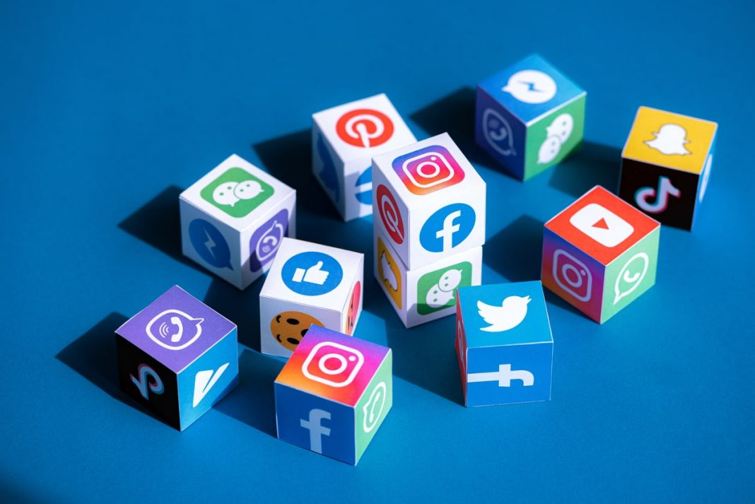"""7 """"Must-Dos"""" to Cut Back on Social Media"""
